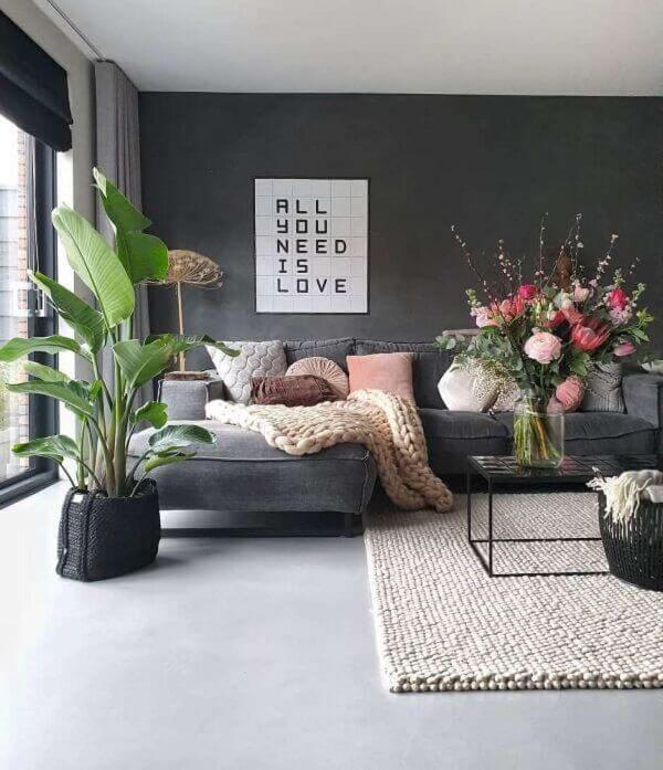 Sala moderna com porcelanato retificado cinza claro