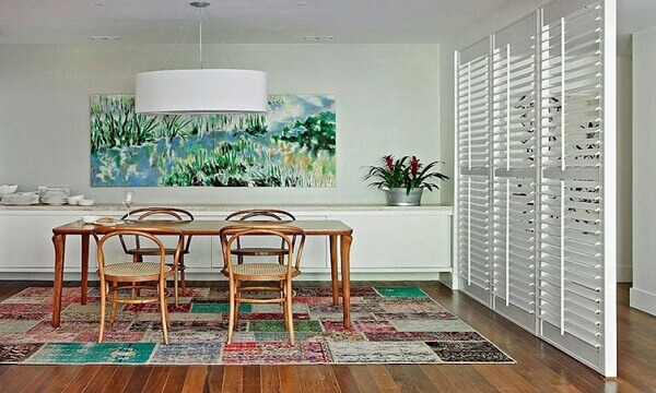 Tapetes para sala de jantar decora o ambiente
