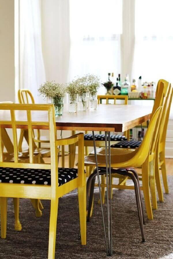 Tapetes para sala de jantar em ambiente pequeno