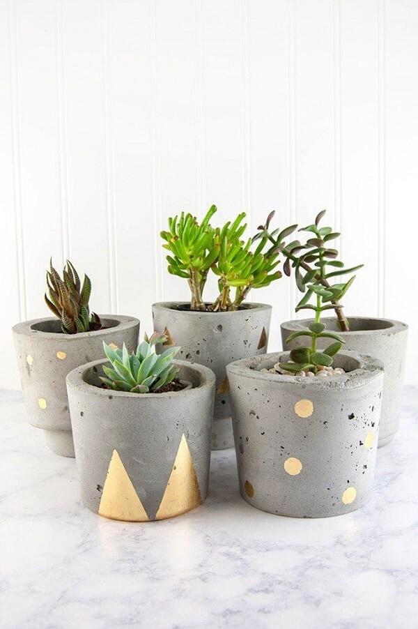 Vaso de cimento para decorar ambientes