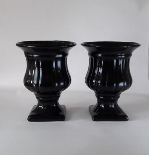 Vasos de cerâmica pretos Foto de Baú de Festas Decoração