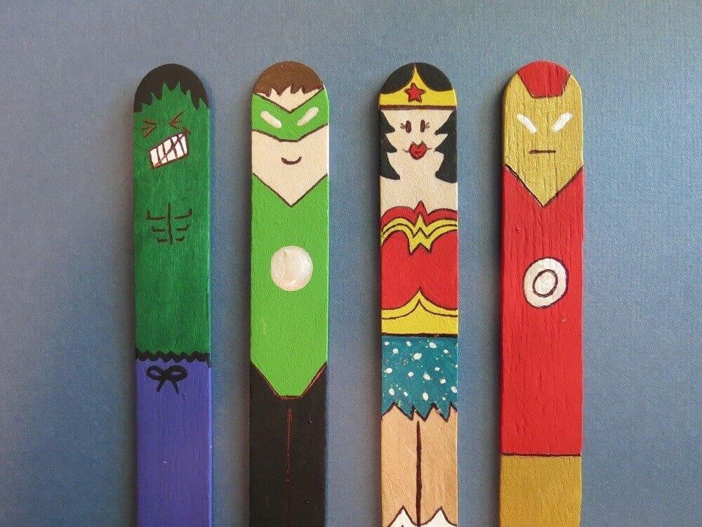 artesanato com palito de picolé para crianças com personagens de super heróis Foto Geeks are kool