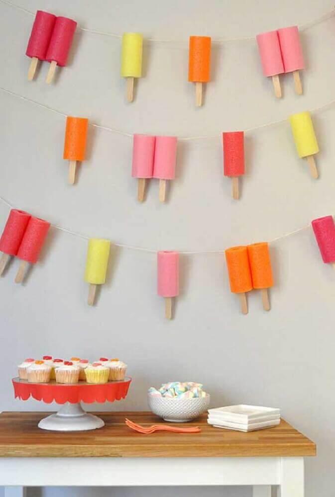 artesanato com palito de picolé para decoração de painel de aniversário Foto Pinterest
