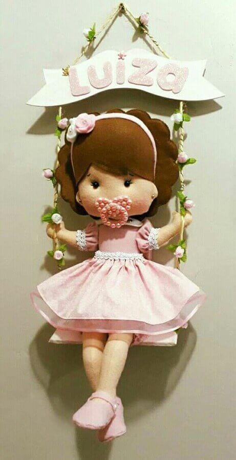 bonequinha de pano como enfeites para porta de quarto de bebê feminino Foto Pinterest