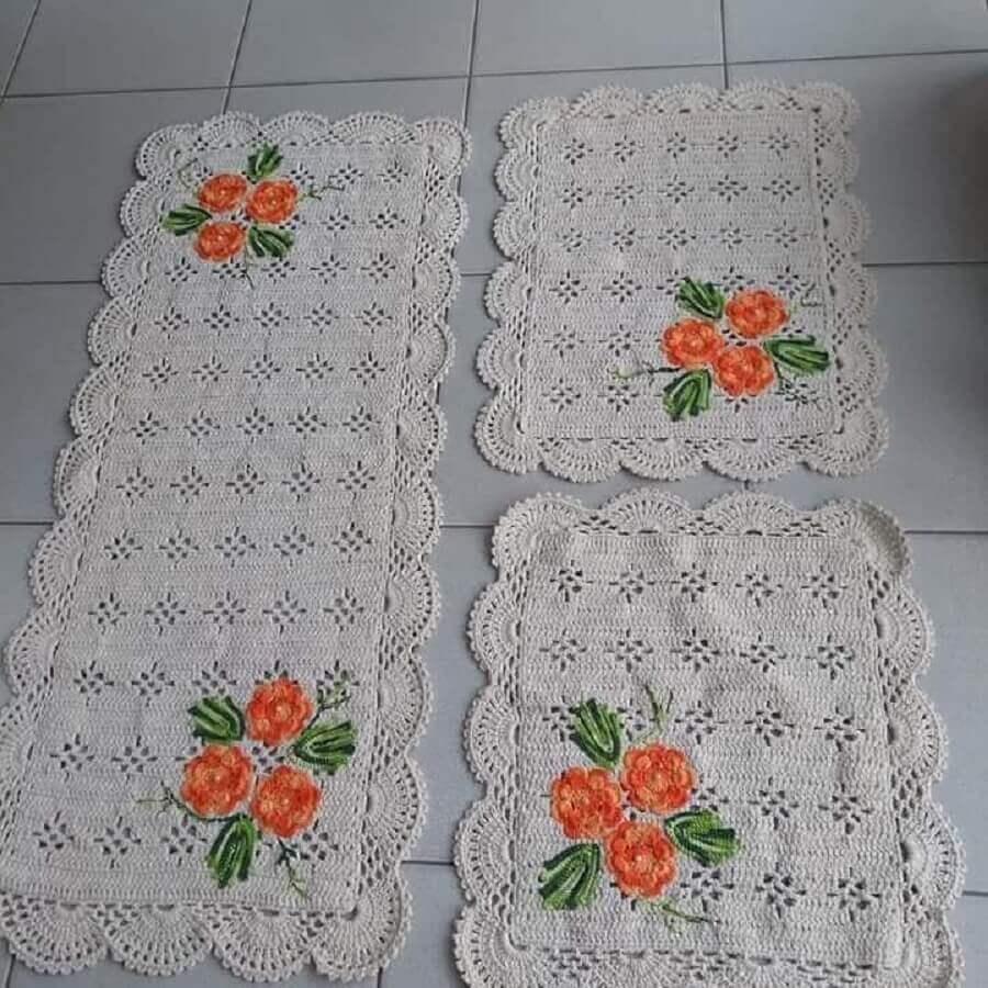 conjunto de tapete de crochê com flores laranjas Foto Lurdinha Marcelino Artesã