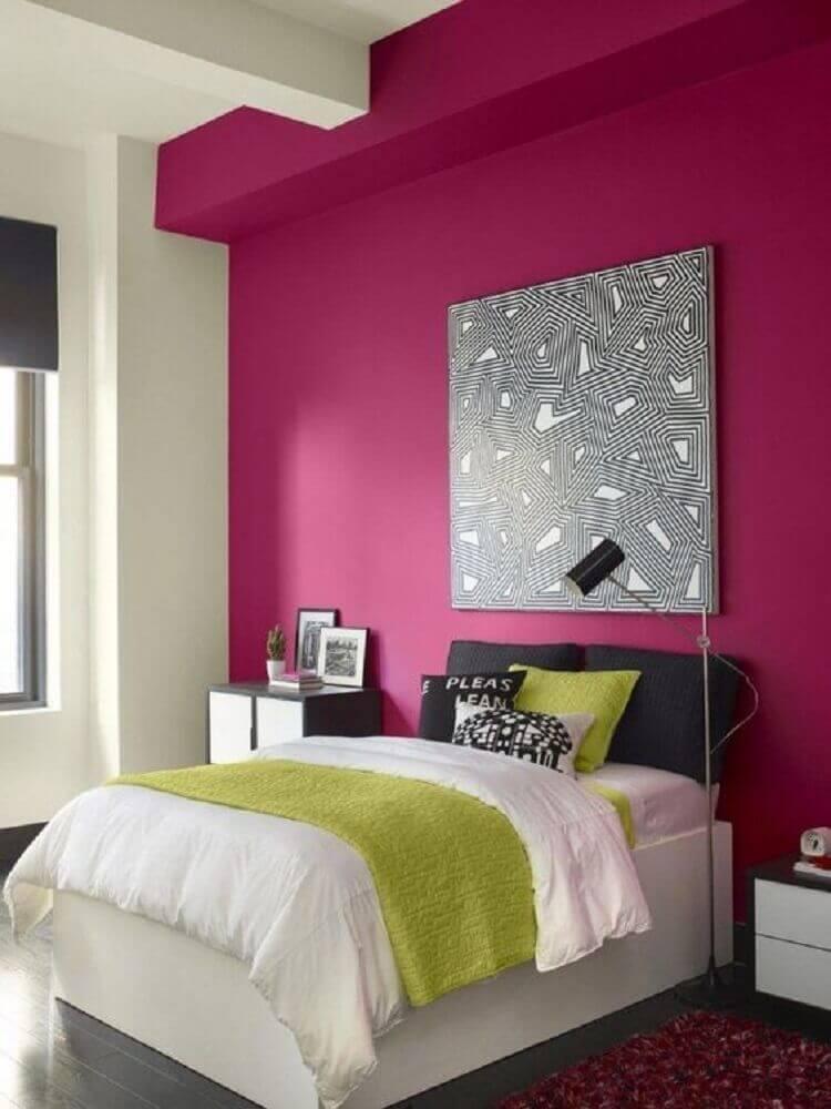 cores de quarto feminino decorado com parede rosa e quadro cinza Foto Wallsumo