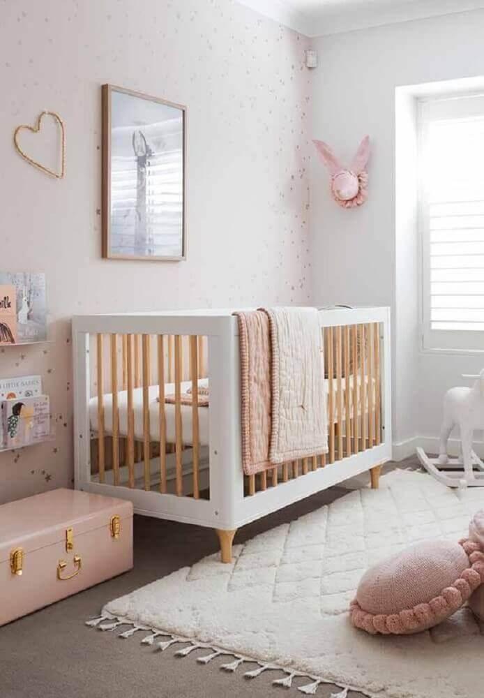 cores para quarto de bebê feminino com berço e tapete branco Foto Ideias Decor
