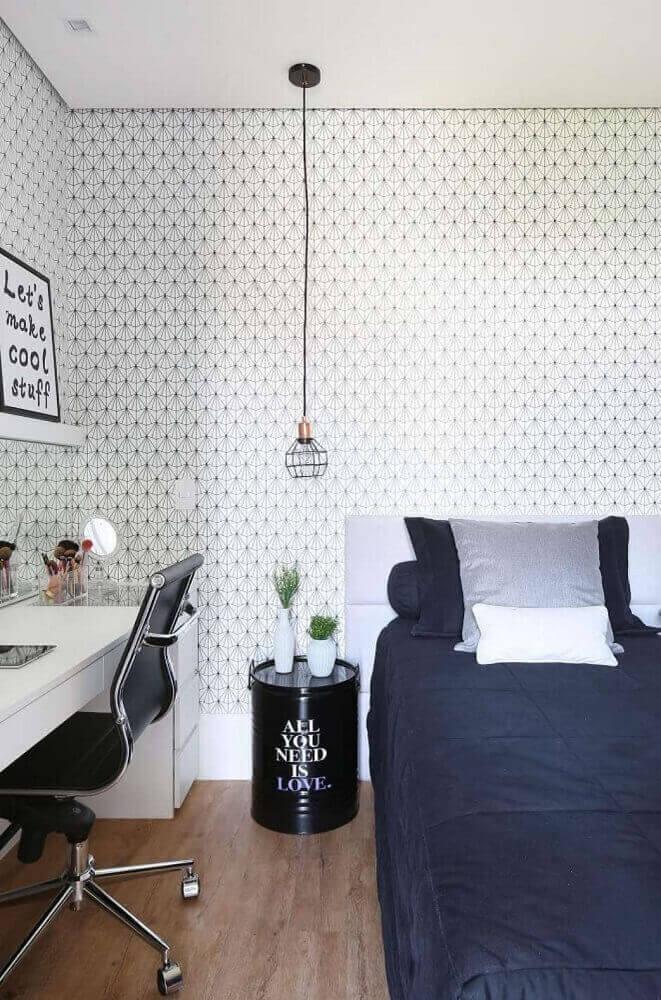 cores para quarto feminino jovem com papel de parede e pendente moderno Foto Belluz Zomartinhão