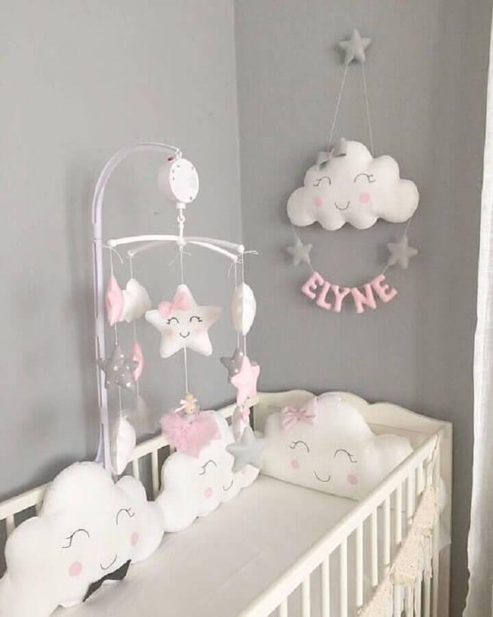 decoração cinza e rosa com enfeites para quarto de bebê feminino Foto Etsy