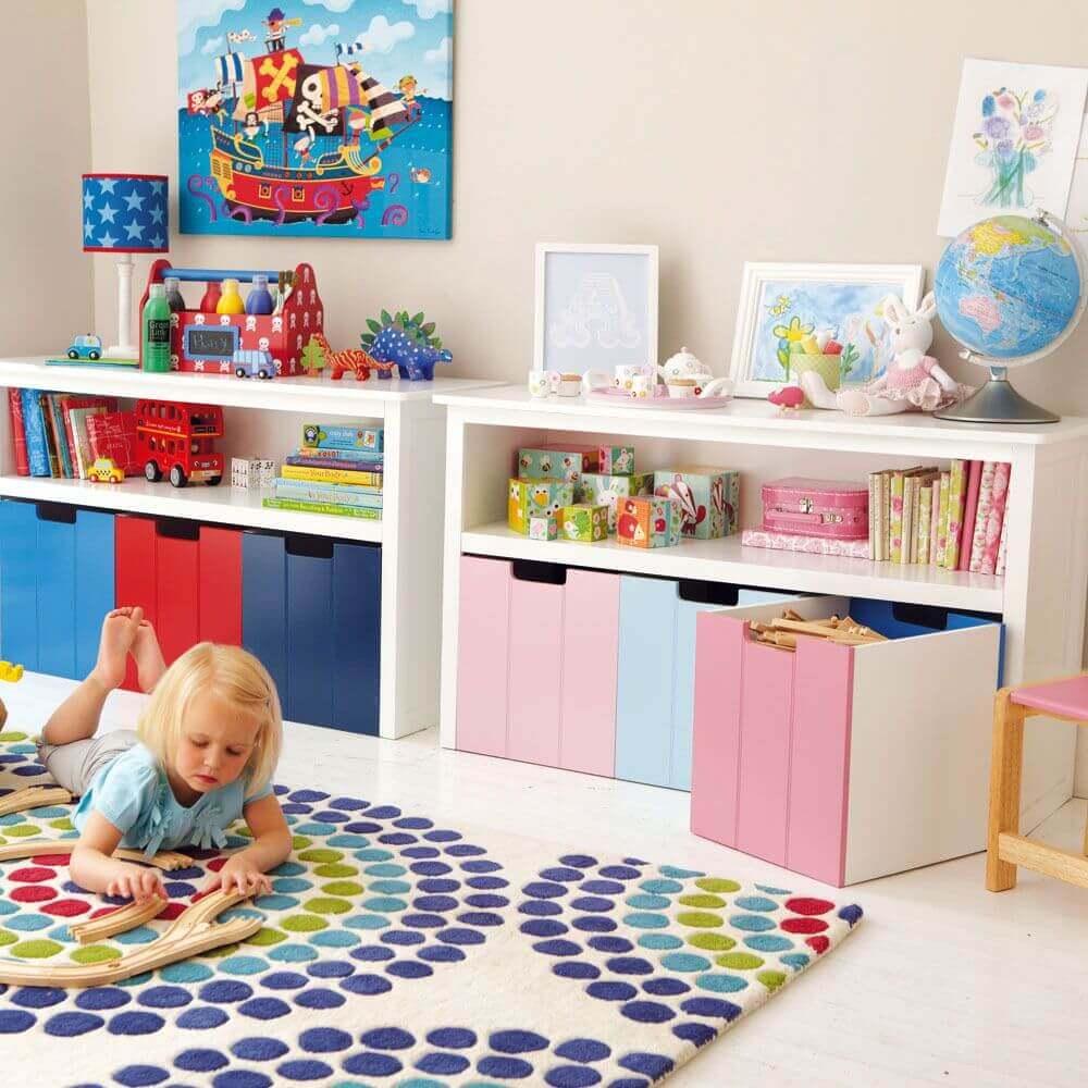 decoração colorida para quarto infantil com caixa organizadora colorida Foto Luxry Sale