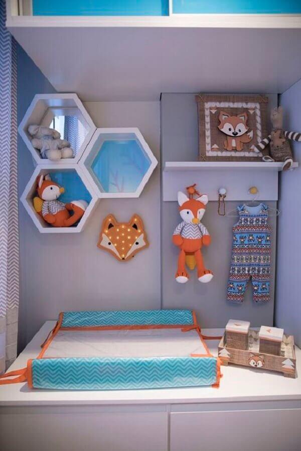 decoração com enfeites para quarto de bebê com várias raposinhas Foto Pinterest