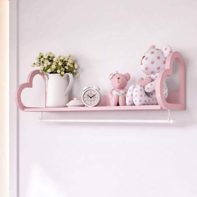 decoração com enfeites para quarto de bebê cor de rosa Foto Gramha