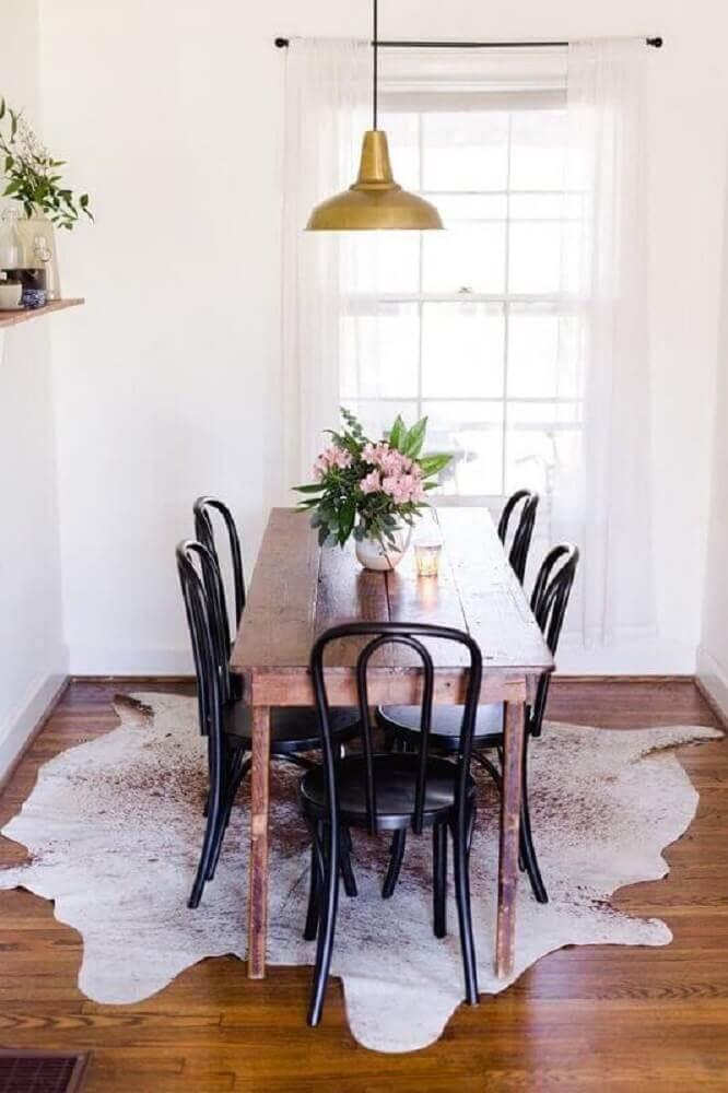 decoração com pendente de metal para sala de jantar pequena com mesa de madeira Foto Decoration For Home