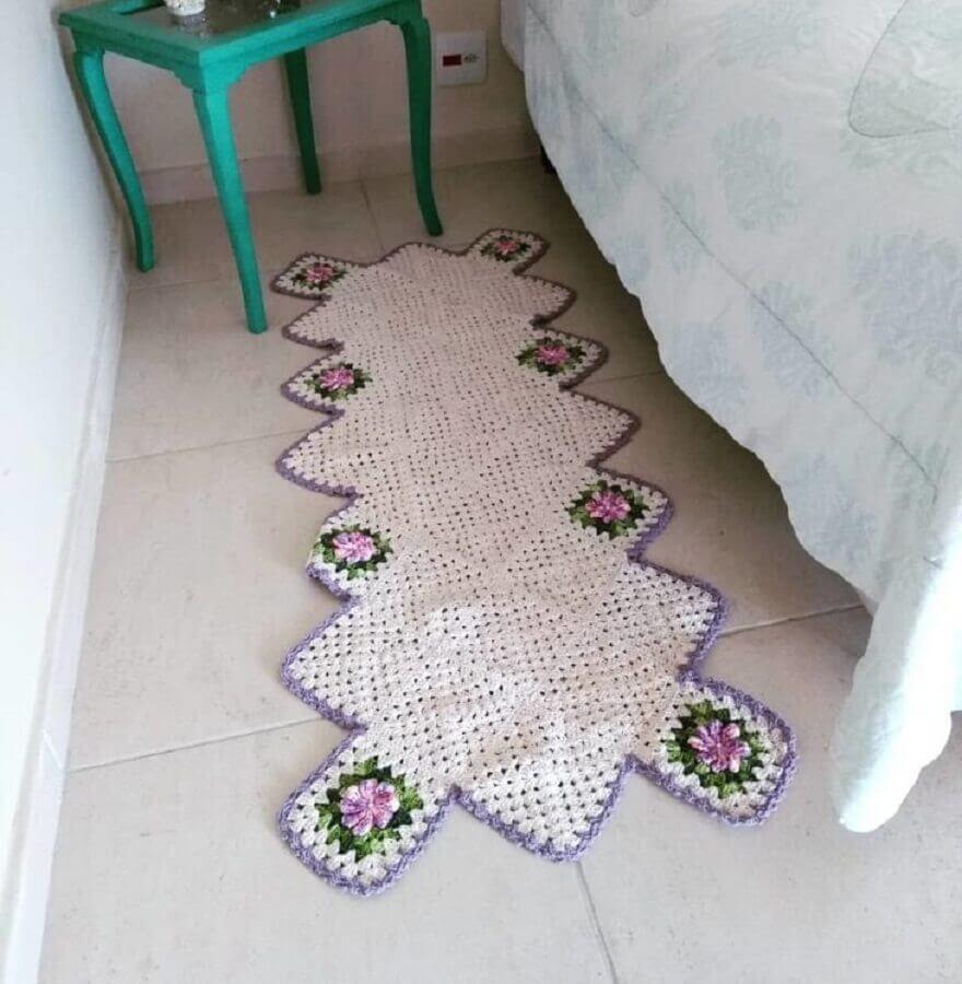 decoração de quarto com tapete de crochê com flores Foto Lólis Crochê