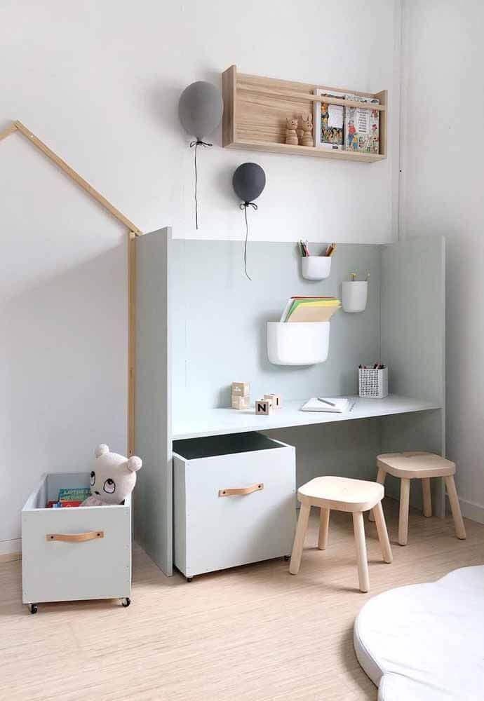 decoração minimalista para quarto infantil com caixa organizadora de brinquedos Foto CreasPic