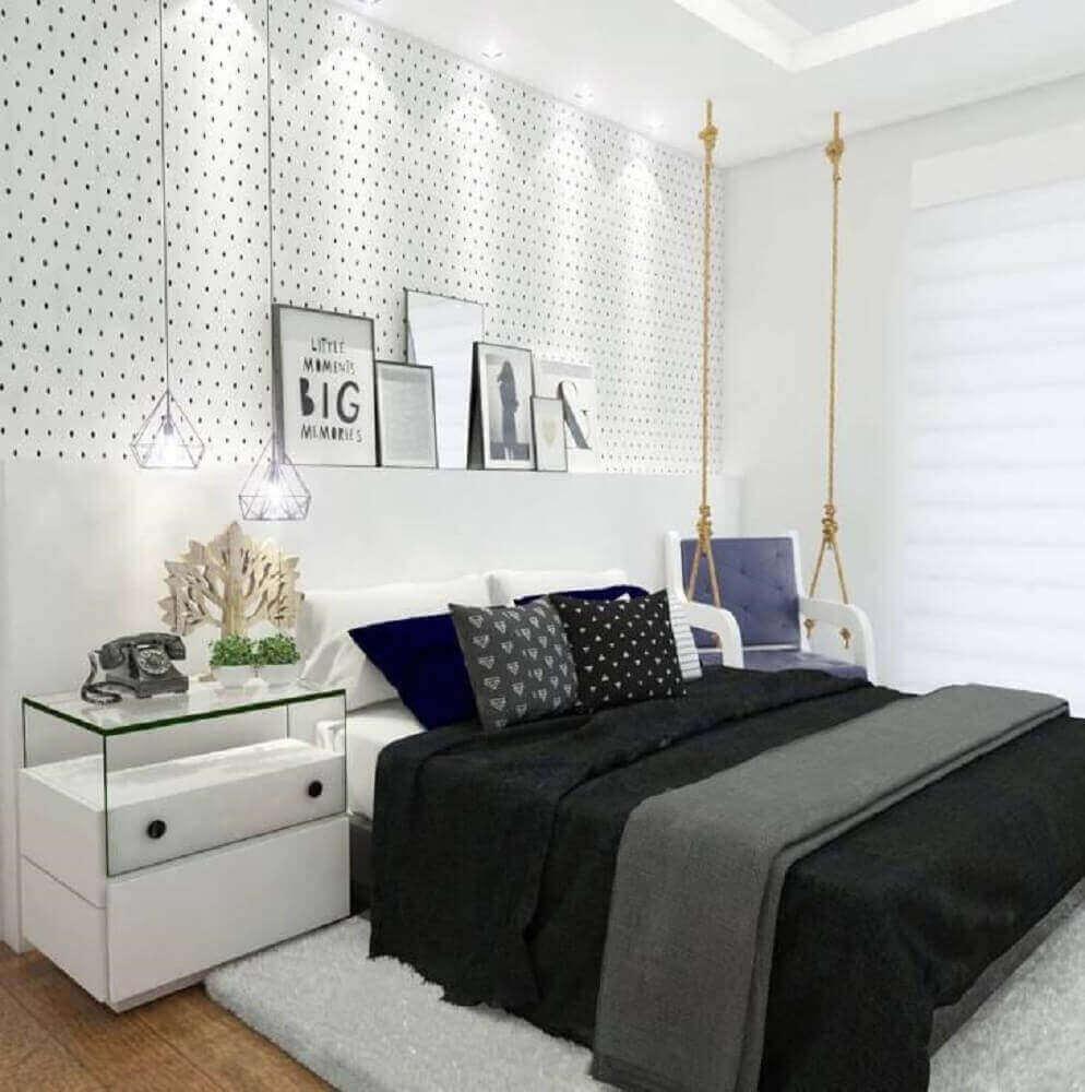 decoração moderna para quarto feminino preto e branco com papel de parede de bolinha Foto Webcomunica
