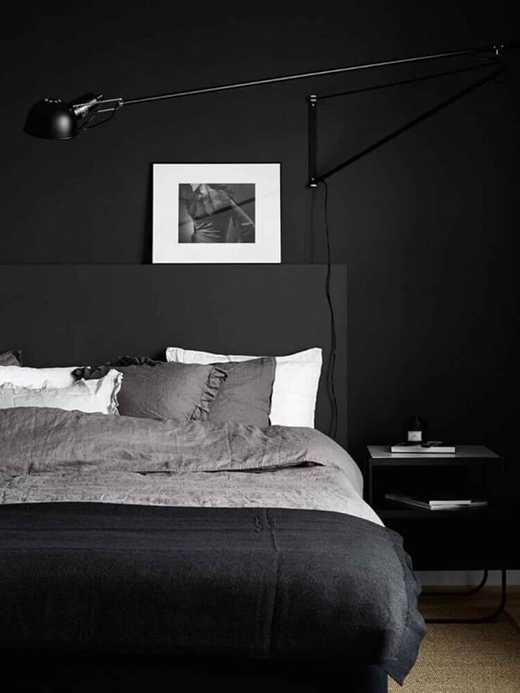 decoração para quarto moderno todo preto Foto House of Valentina