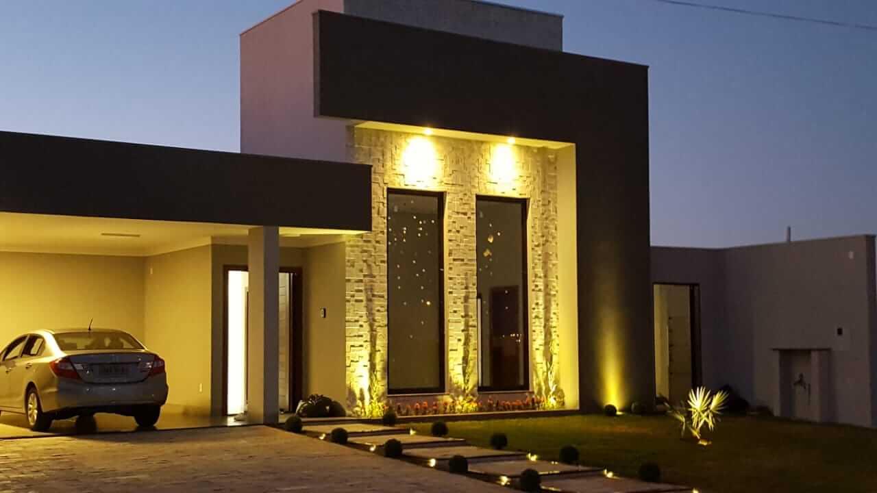Fachada De Casa Moderna Com Revestimento 3D