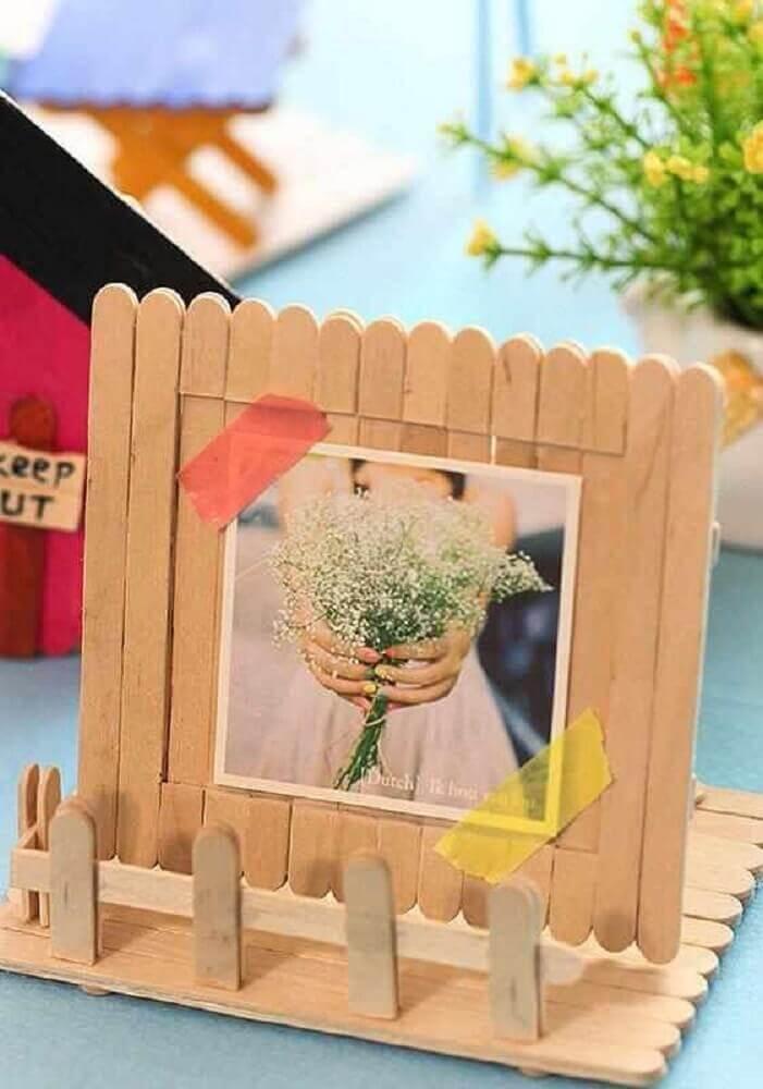 ideia de artesanato com palito de picolé - porta retrato Foto Neu dekoration stile