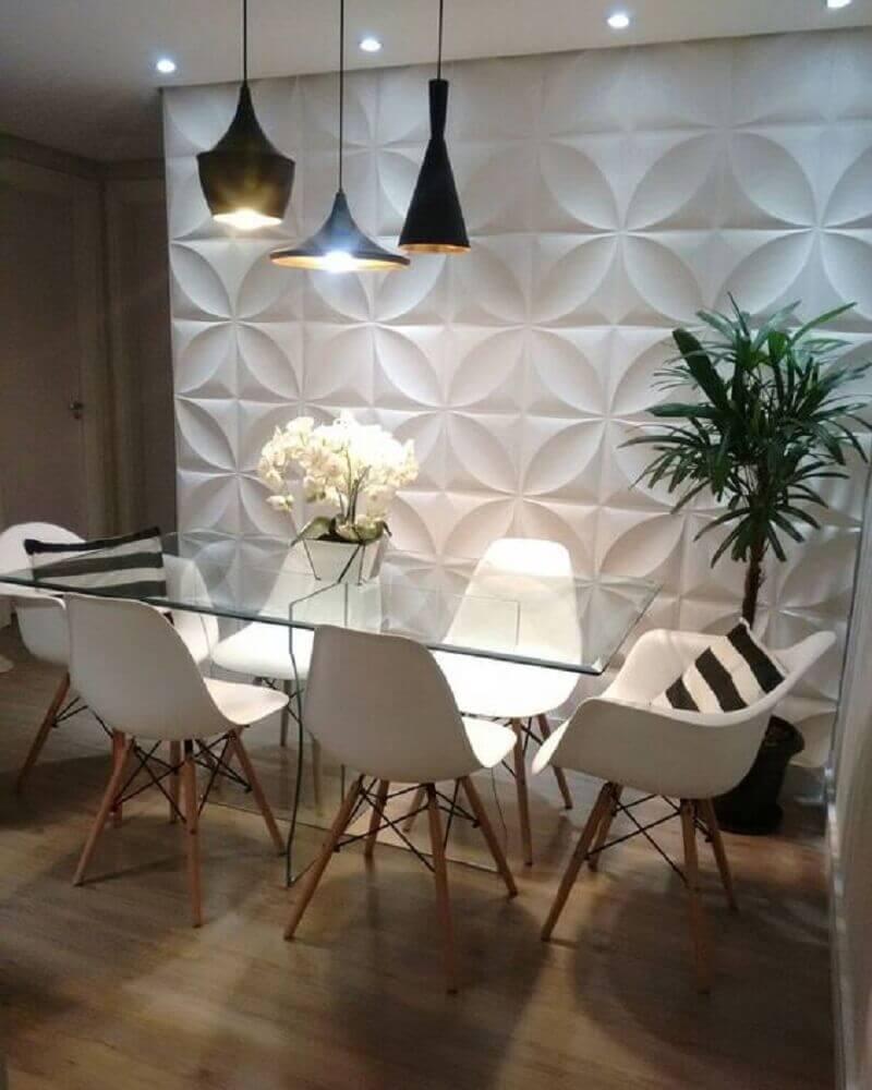 jogo de pendente sala de jantar pequena decorada com revestimento 3D para paredeFoto Zozu