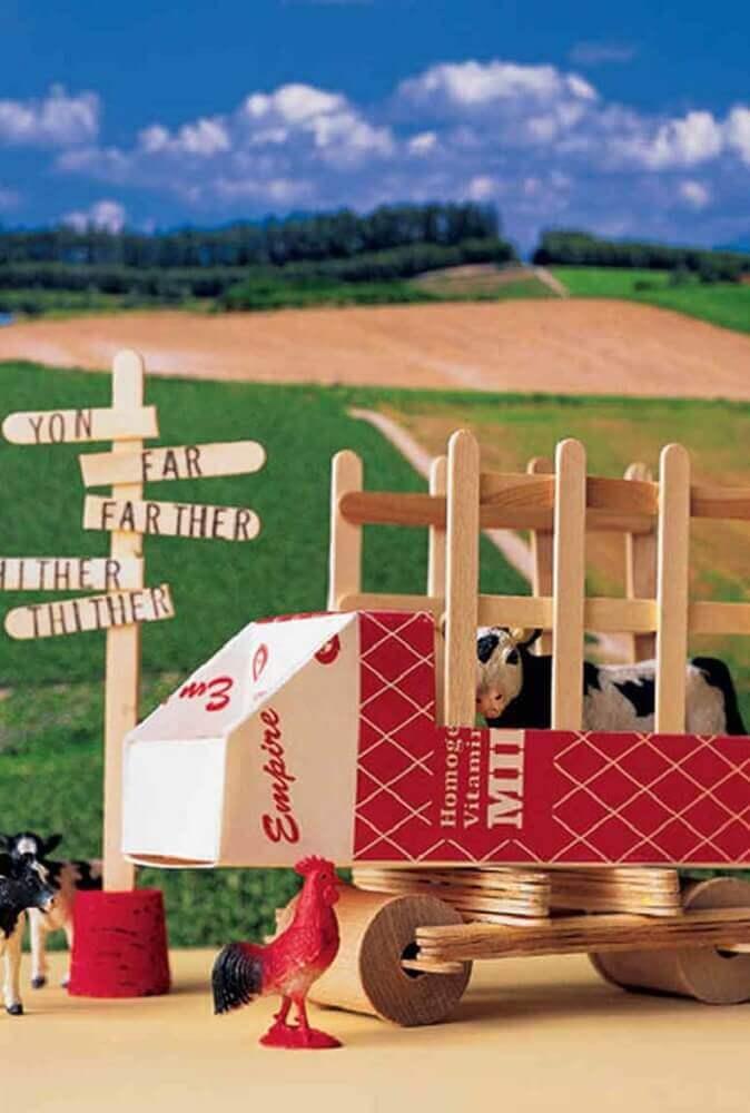 modelo de brinquedo feito com artesanato com palito de picolé para crianças Foto Ideias Decor