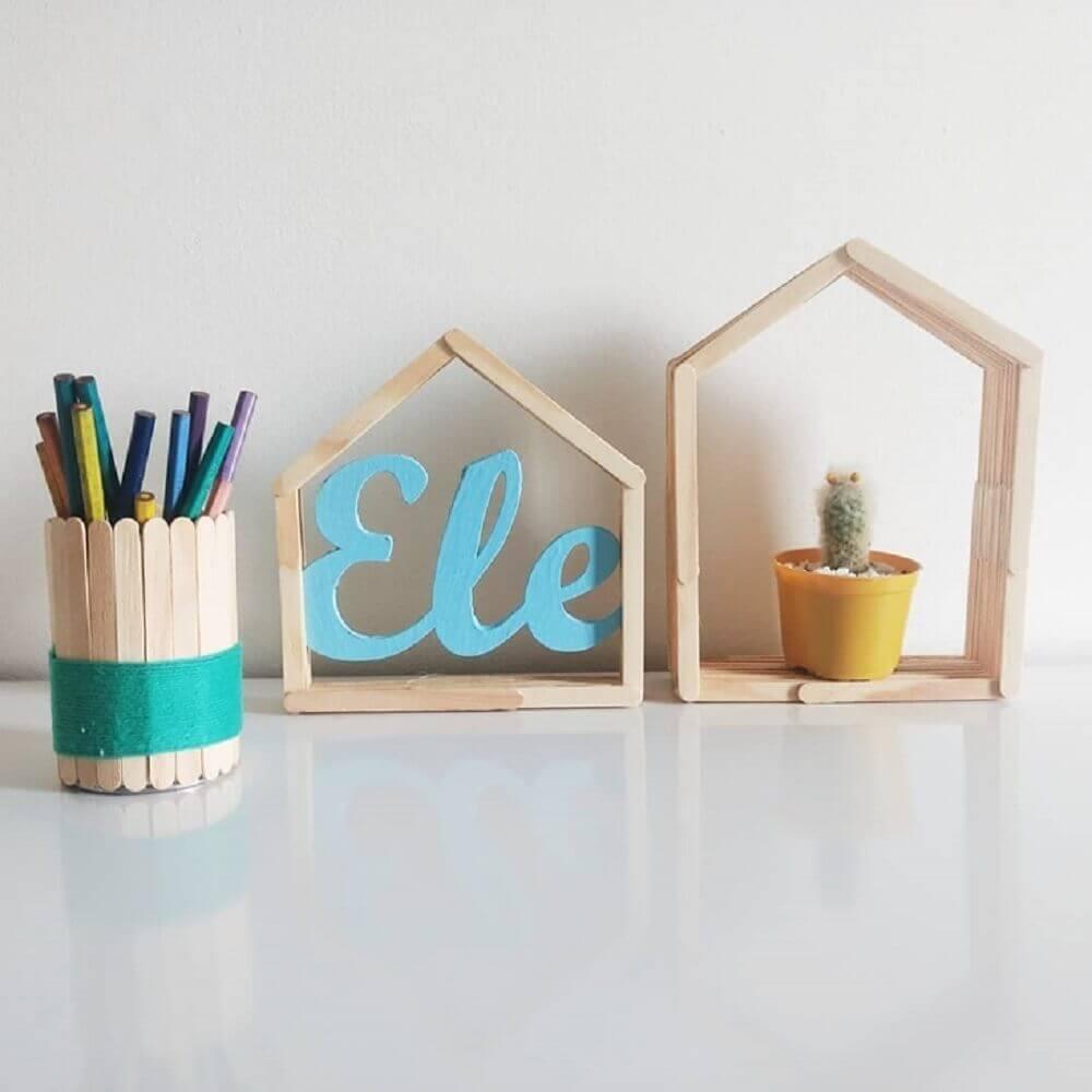 modelo de objetos decorativos feitos de artesanato com palito de picolé Foto Carol Guerrero