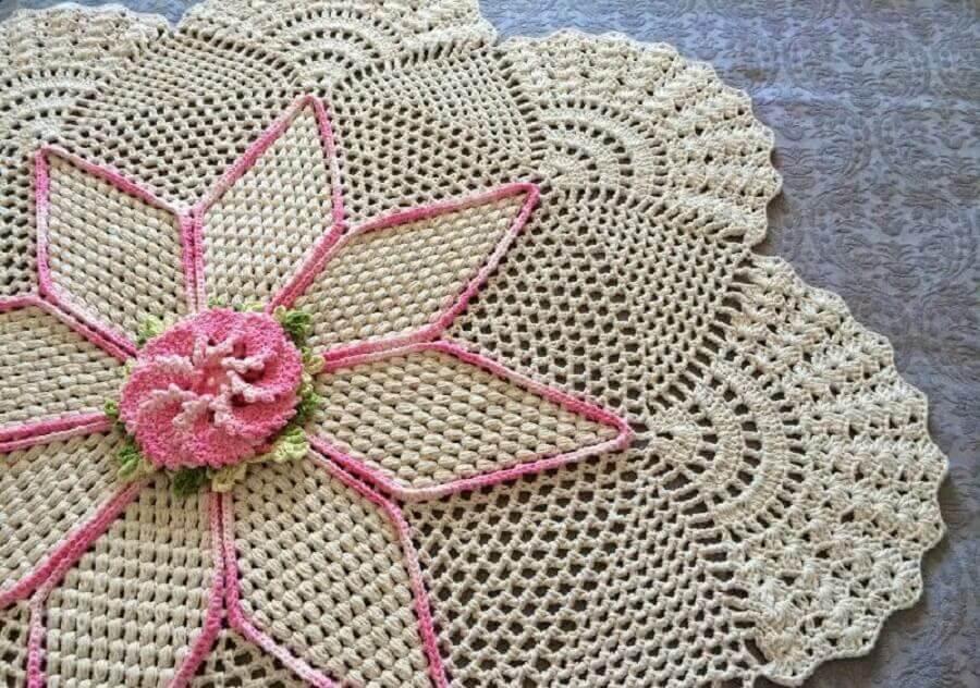 modelo delicado de tapete de crochê com flor Foto Pinterest