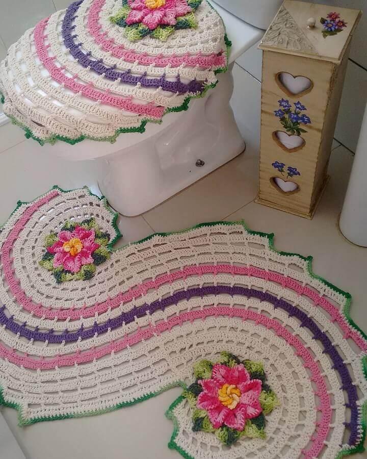 modelo diferente de tapete de crochê com flores Foto Jarra Hotel