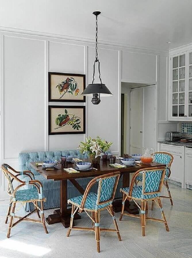 pendente preto para sala de jantar com decoração simples Foto Adelaide Villa