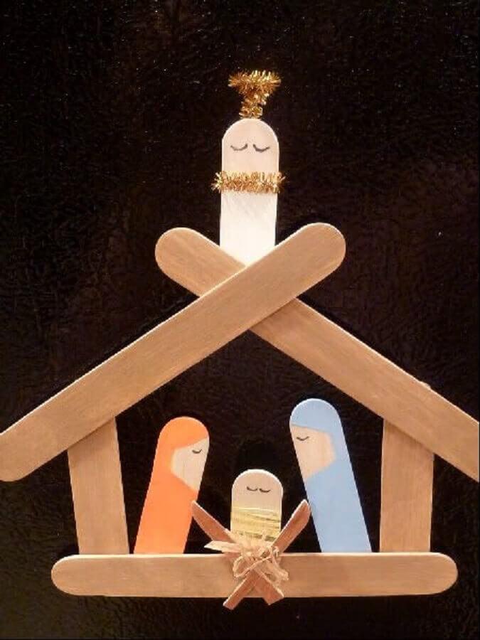 presépio de artesanato com palito de picolé  Foto Pinterest