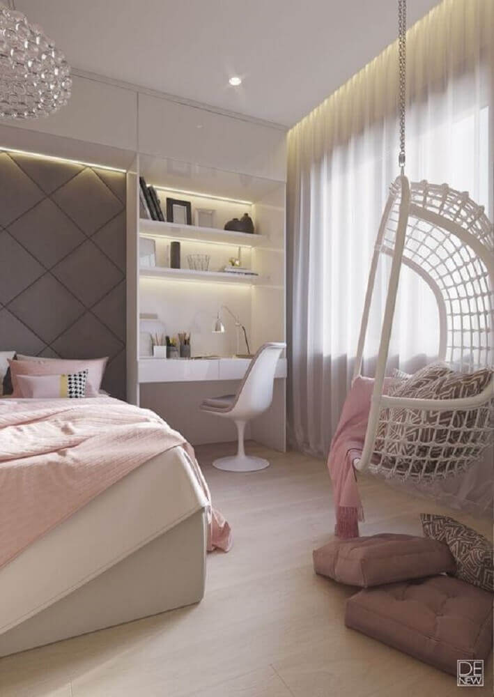 quartos femininos jovens modernos decorado com balanço branco e móveis planejados Foto We Heart It