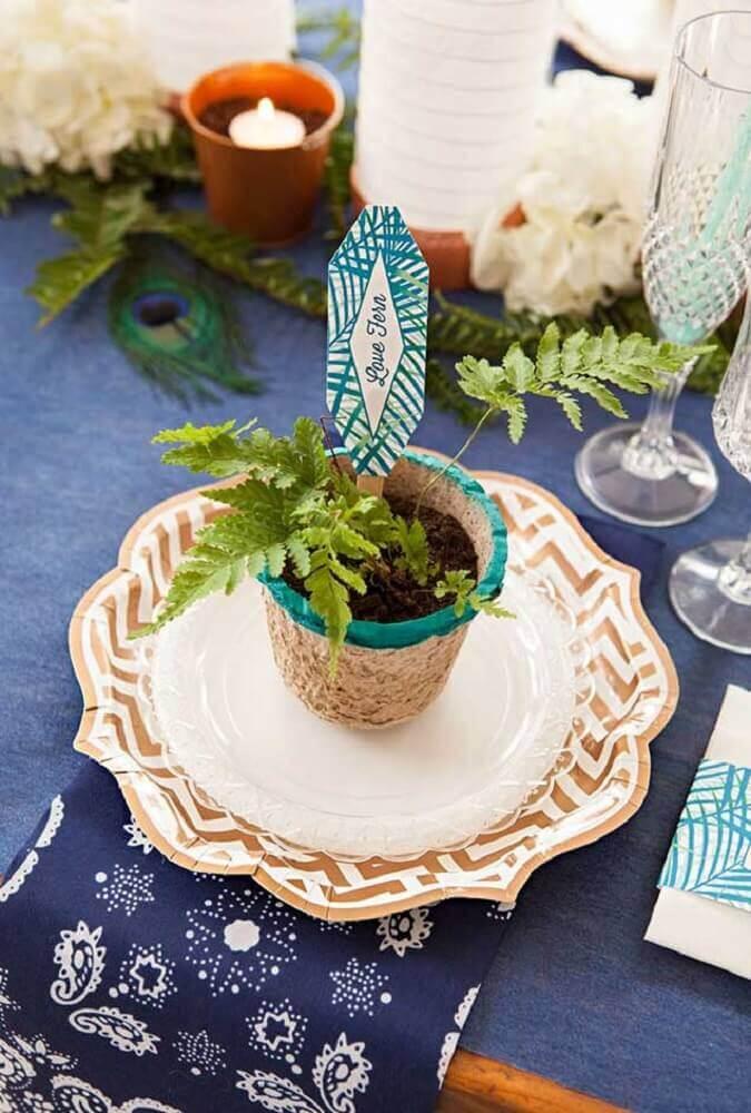 tag de planta feita com artesanato com palito de picolé  Foto WorkTheThing