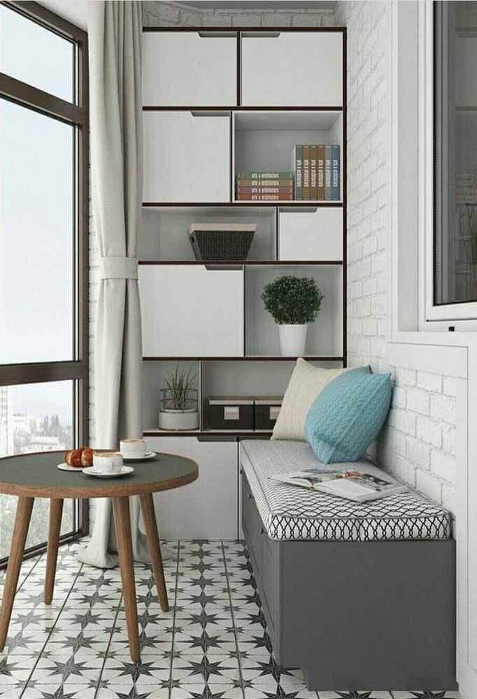varanda decorada com estante com caixa organizadora grande Foto Pinterest
