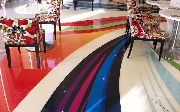 Brinque com as cores na hora de incluir o revestimento no seu ambiente