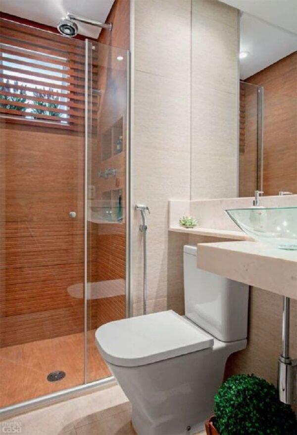 Banheiro pequeno decorado de apartamento