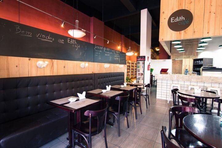 Café com painel chalkboard Projeto de Mutabile