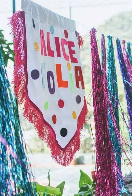 Decoração de carnaval com estandarte temático Foto de A Minha Festinha