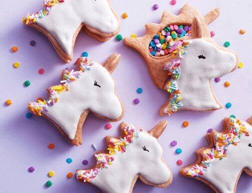 Festa de unicórnio com cookies temáticos Foto de Mamãe Plugada