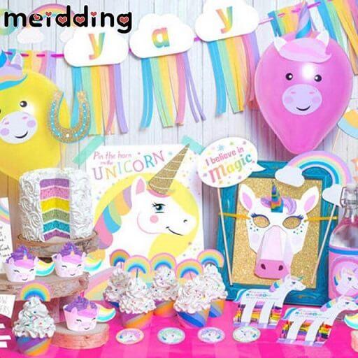 Festa de unicórnio com decoração bem temática Foto de Meidding