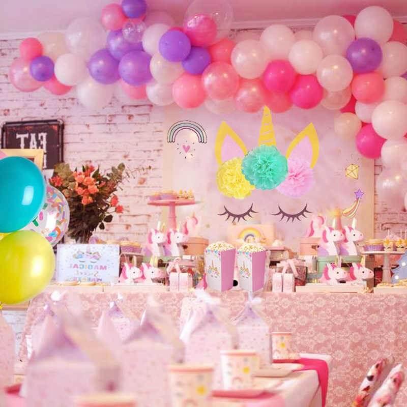 Festa de unicórnio com decoração em tons de rosa Foto de Zaplati