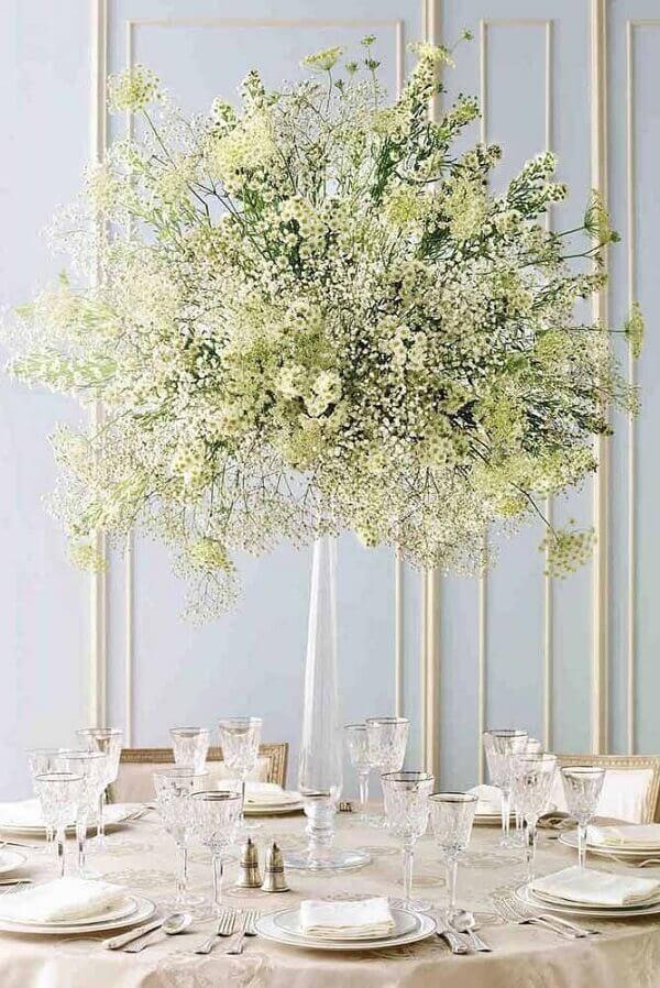 Flores do campo para enfeitar decoração de sala de jantar