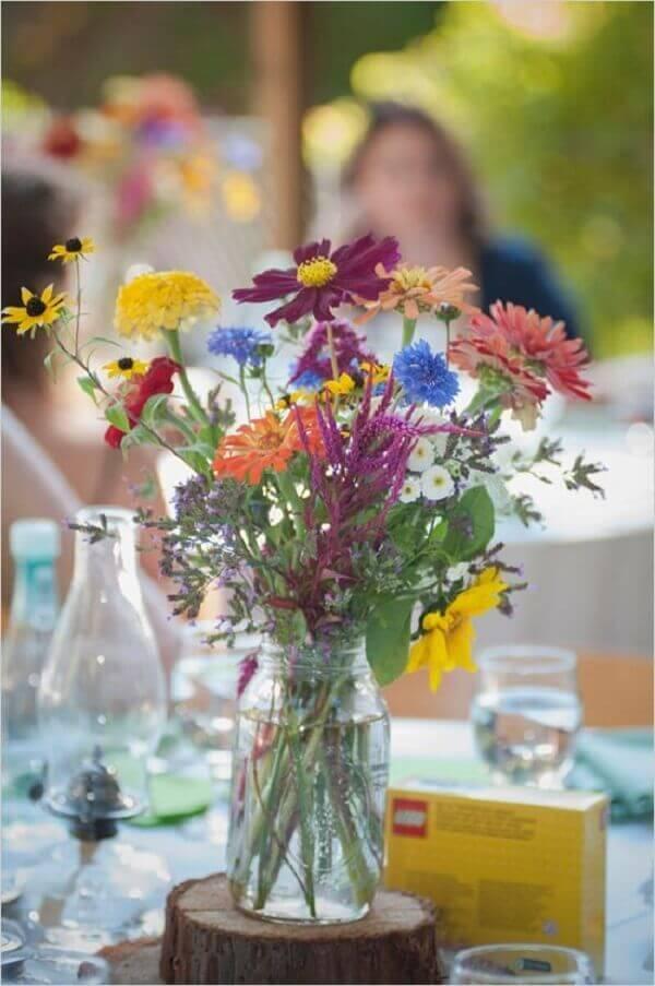 Flores do campo são ideias para áreas abertas