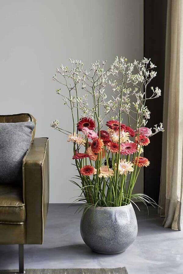 Flores do campo vaso grande com gérberas