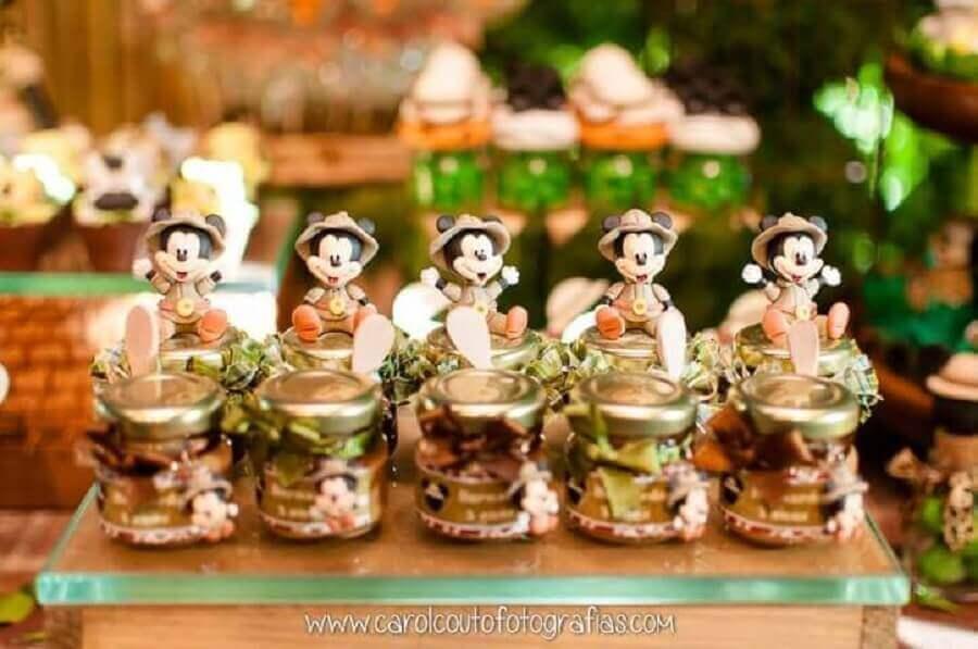 Lembrancinhas do Mickey com miniaturas de biscuit Foto Carol Couto Fotografias