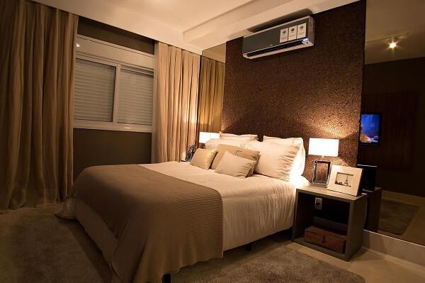 Marrom para quarto de casal