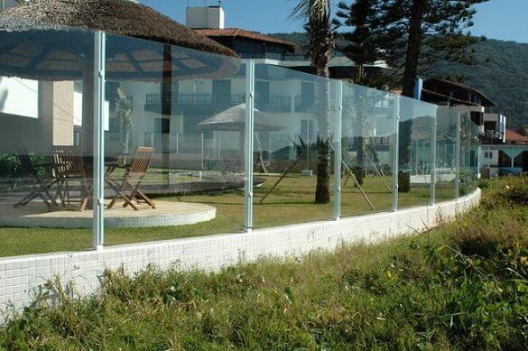 Muro de vidro em área de lazer Foto de Dcore Você