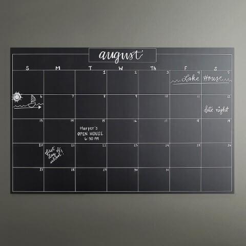 Quadro chalkboard com calendário Foto de The Container Store