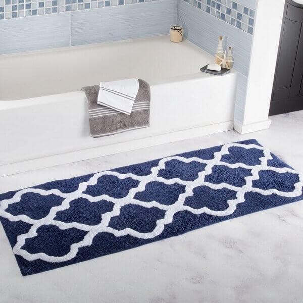 Tapete para banheiro na cor azul