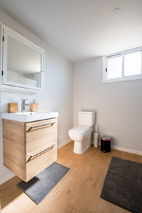 Tapete para banheiro simples e delicado