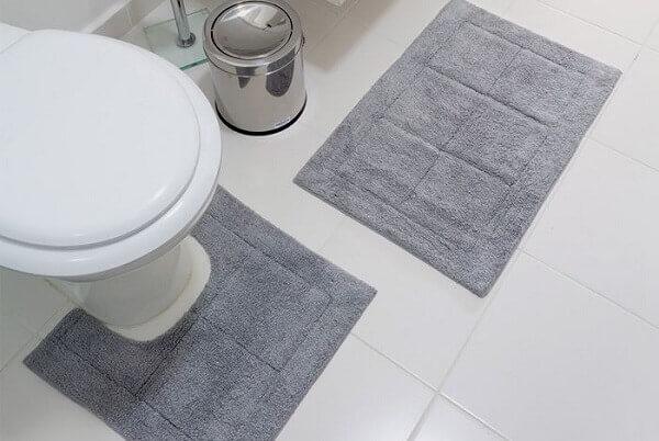 Tapete para banheiro na cor cinza